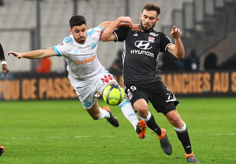 Lucas Tousart surveillé par l'Inter