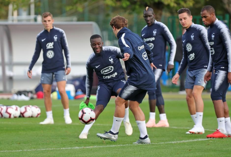 Islande, Ndombele juge sa première avec l'Équipe de France — OL