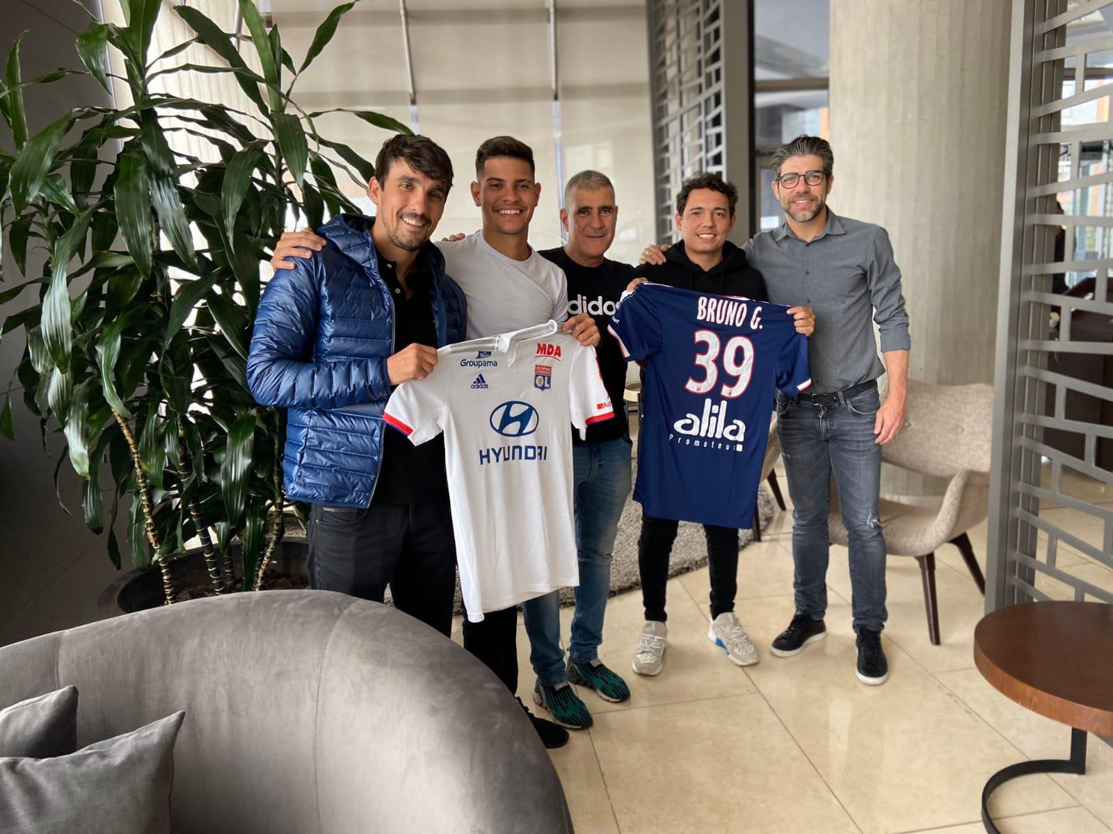 Comment Juninho a convaincu Bruno Guimaraes — Lyon